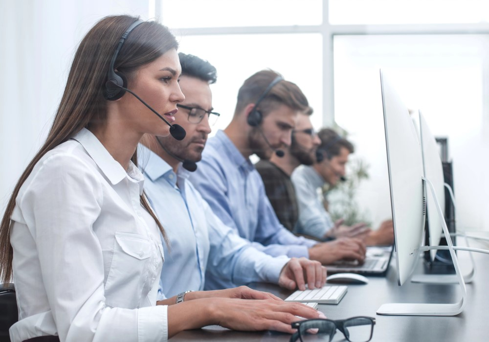https://vcc.live/wp-content/uploads/2018/06/call-center-agent-characters.jpg